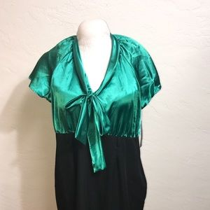 NWOT 22W front BOW Dress